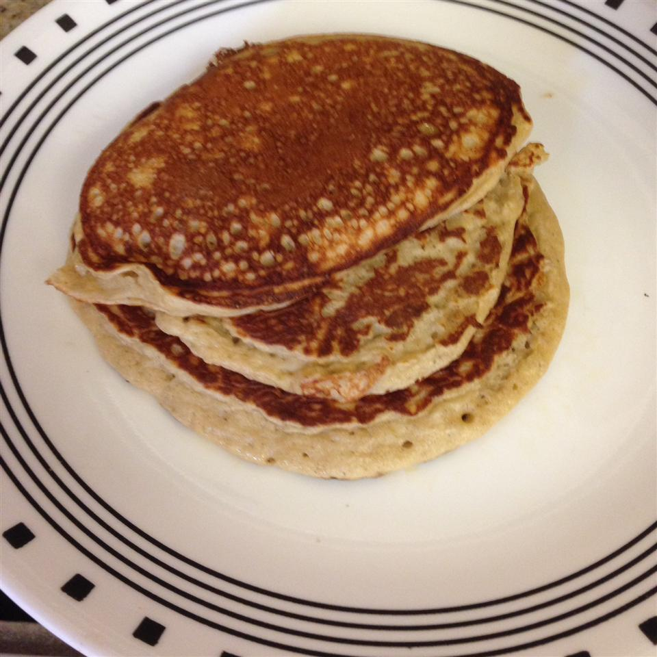 Banana-Oat Cottage Cheese Pancakes