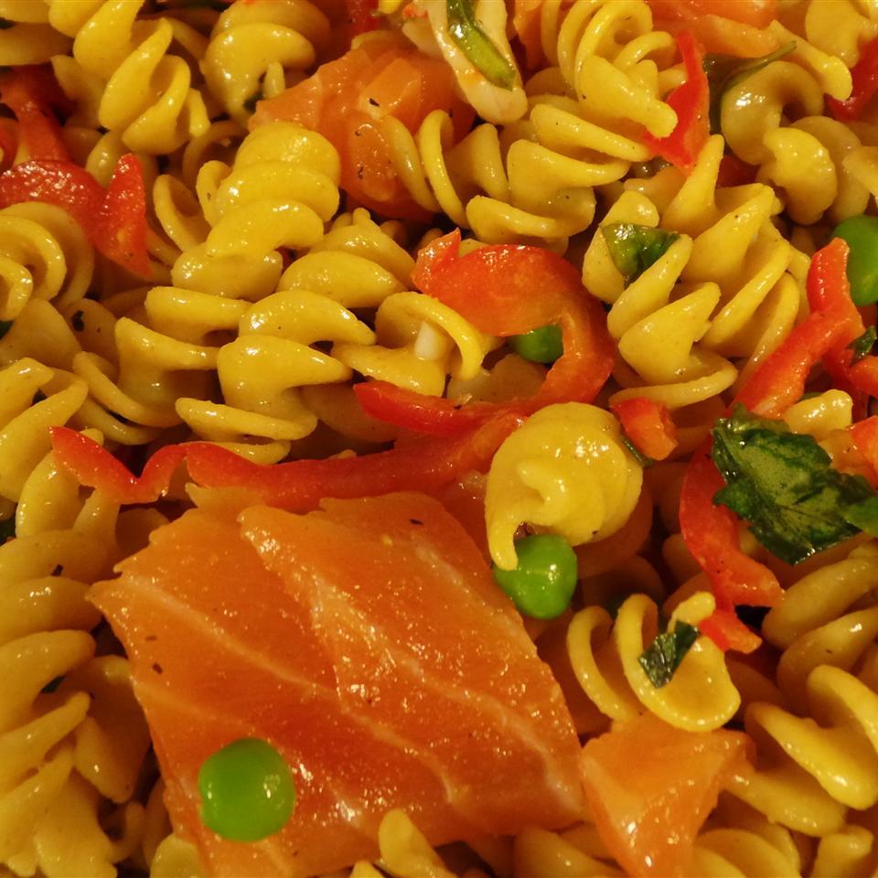 Pasta and Salmon Salad ALAN