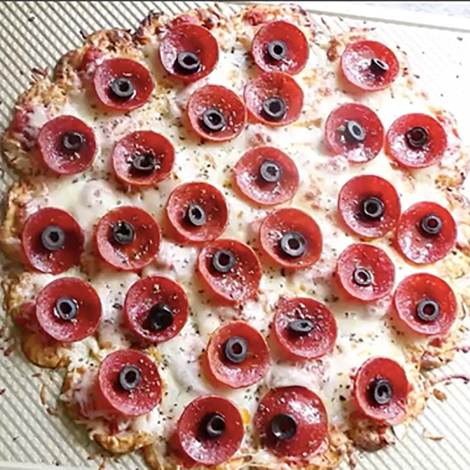 Pull-Apart Pretzel Crisps® Pizza
