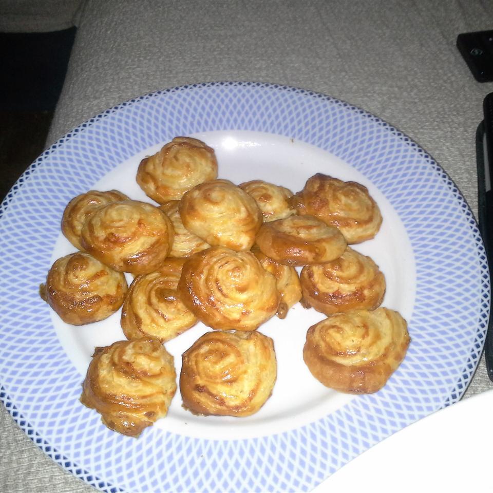 Spicy Garlic-Cheese Puffs Past Allrecipes User