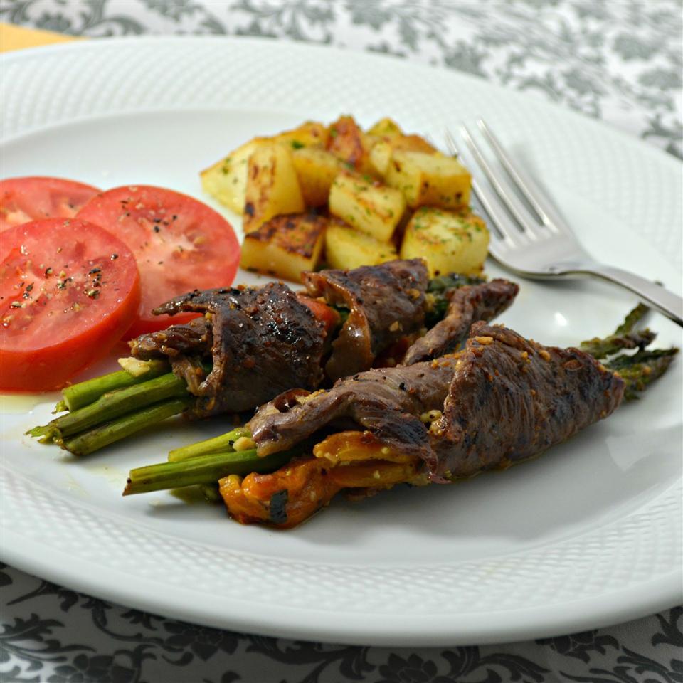 Grilled Asparagus Steak Bundles Kim's Cooking Now