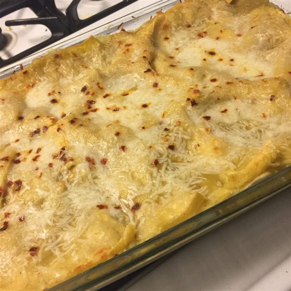 Quick and Easy Green Chile Chicken Enchilada Casserole Rachael Costanzo