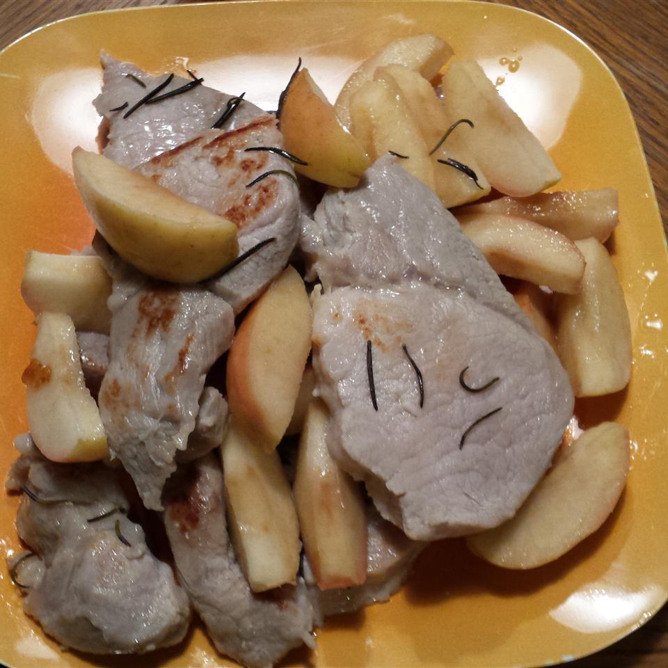 Boneless Pork Chops and Apples Joan Biese