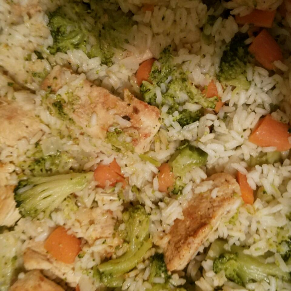 Garlic Chicken, Vegetable and Rice Skillet