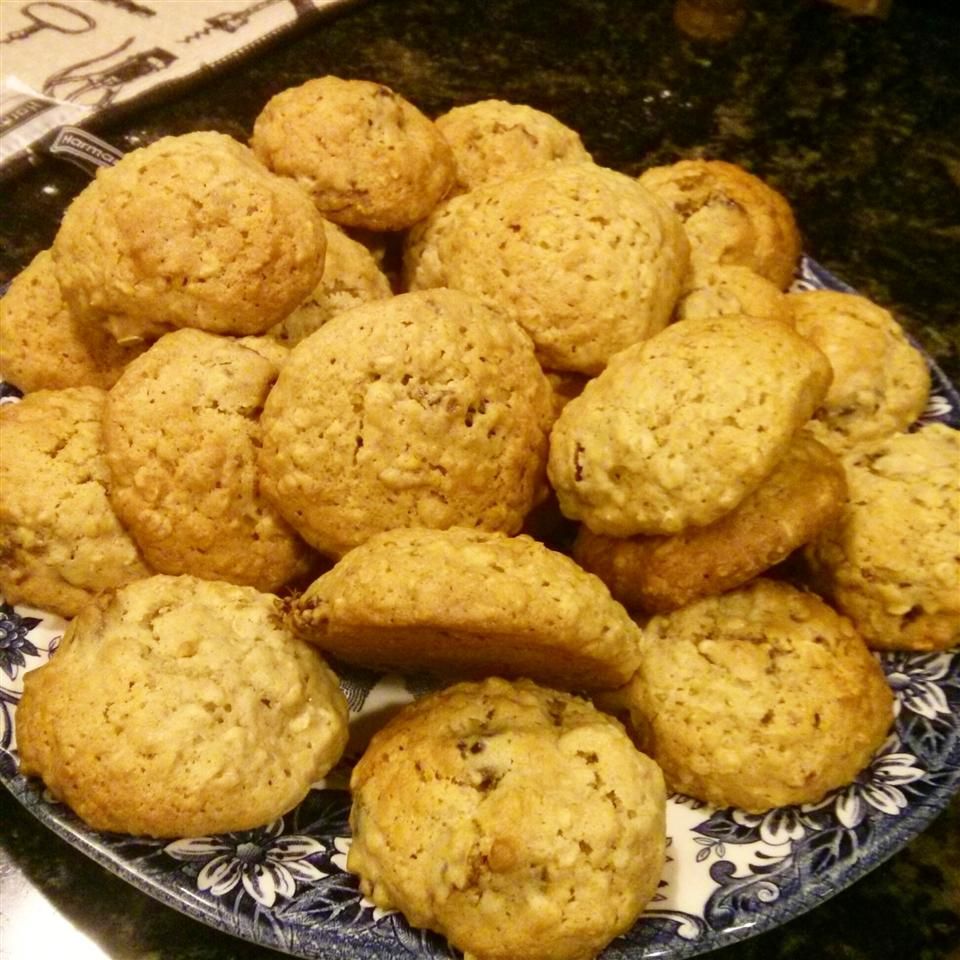 Oatmeal Date Cookies M. Souder
