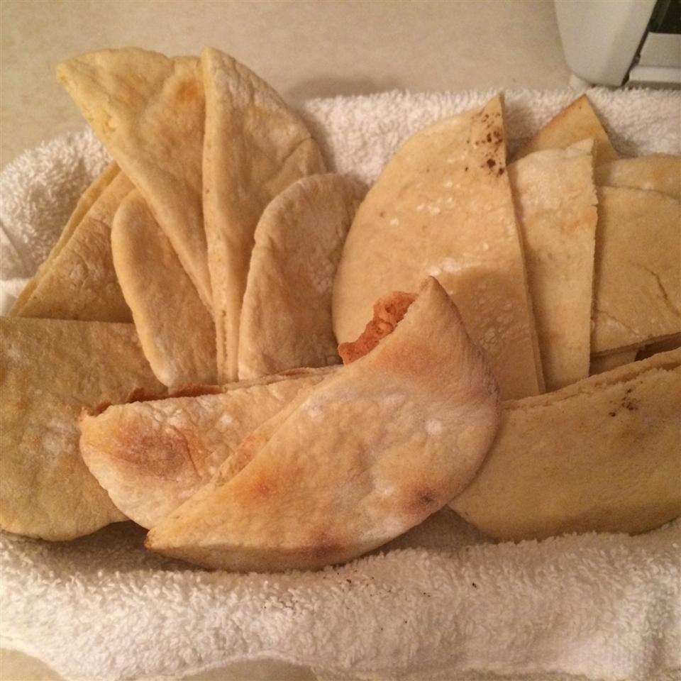 Traditional Pita Breads avril