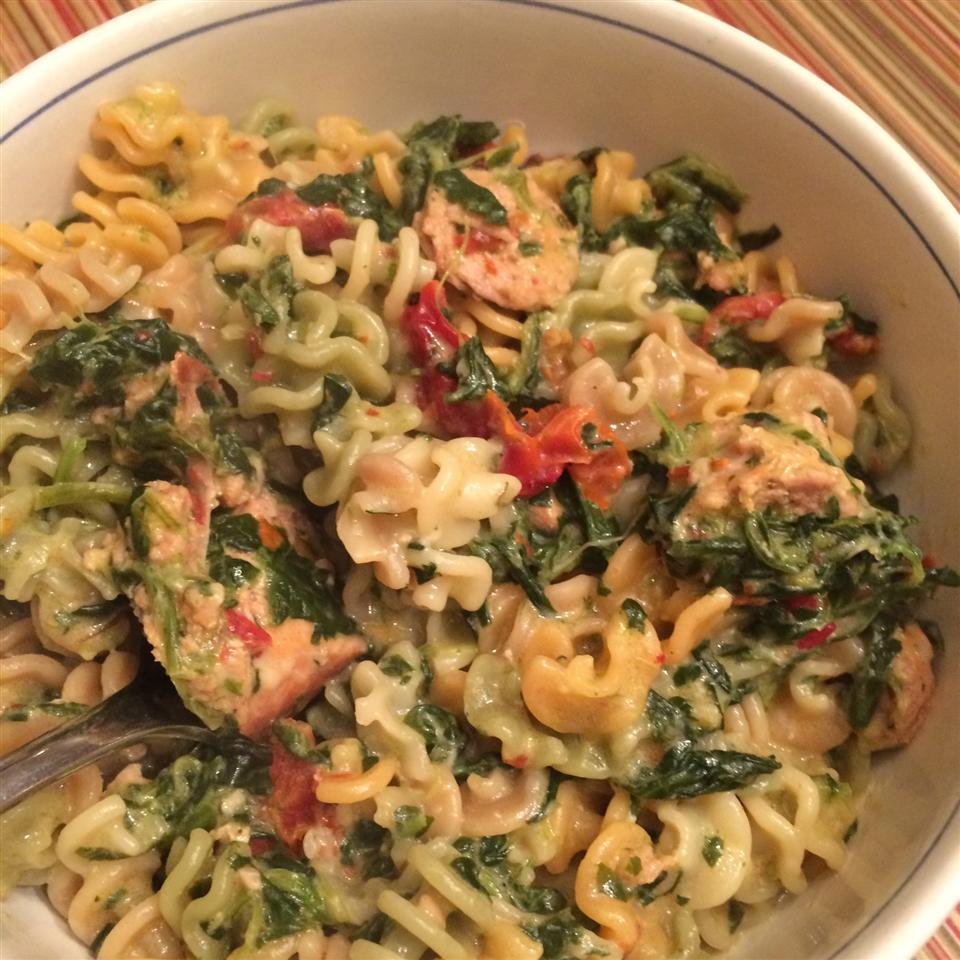 Spinach and Sun-Dried Tomato Pasta Maryke Armstrong