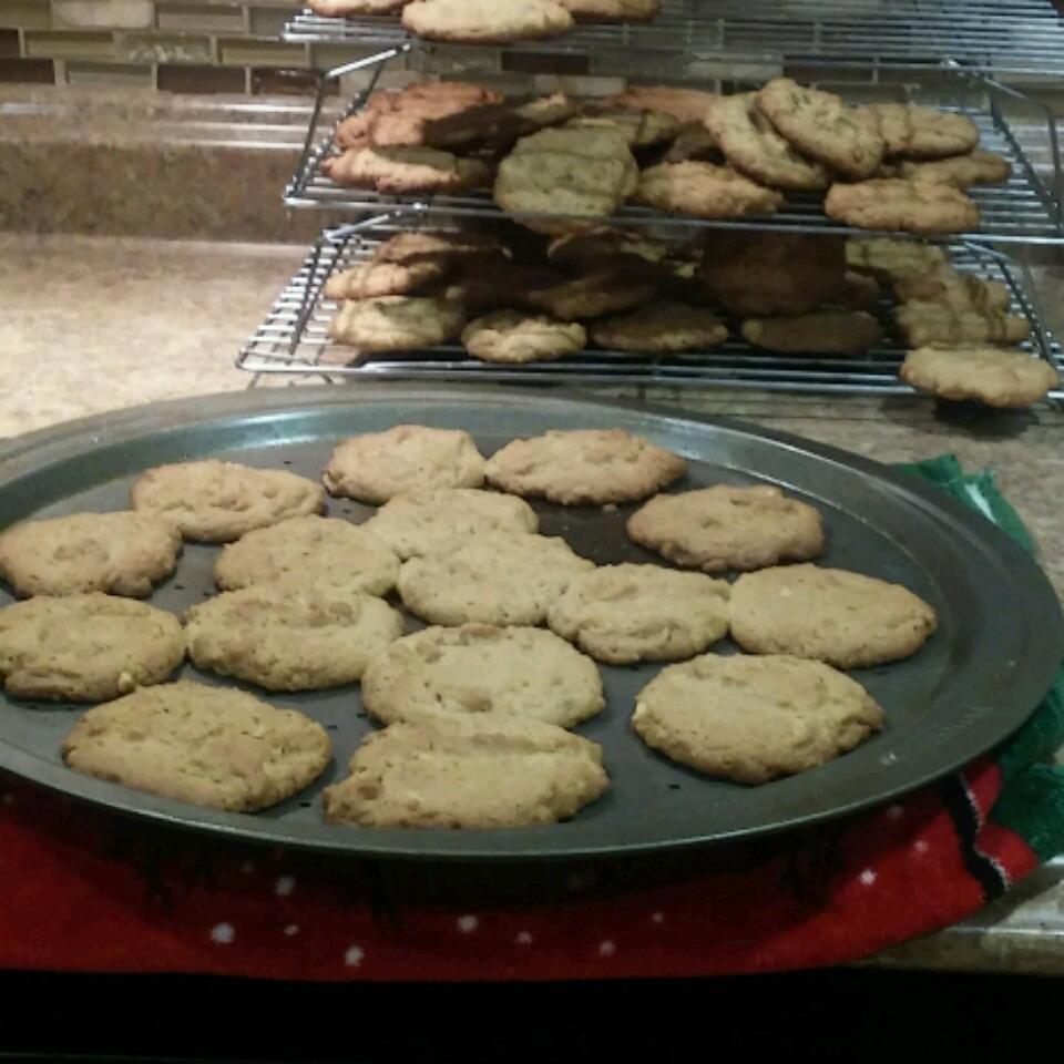 Peanut Butter Crunch Cookies Jill Sauerwein