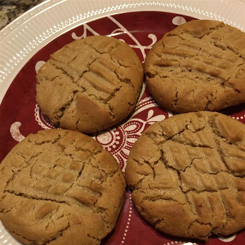 Favorite Peanut Butter Cookies mrsbmore