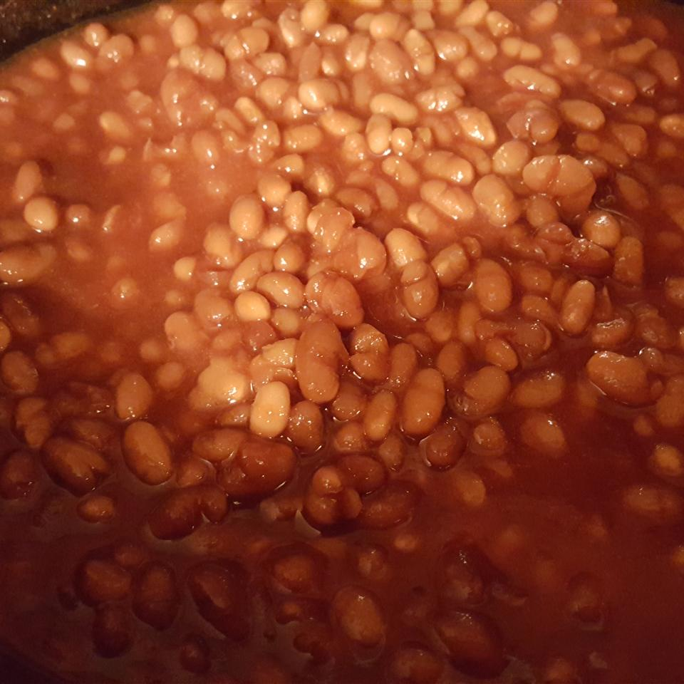 Slow Cooker Baked Beans with Ham Hock foodwiz