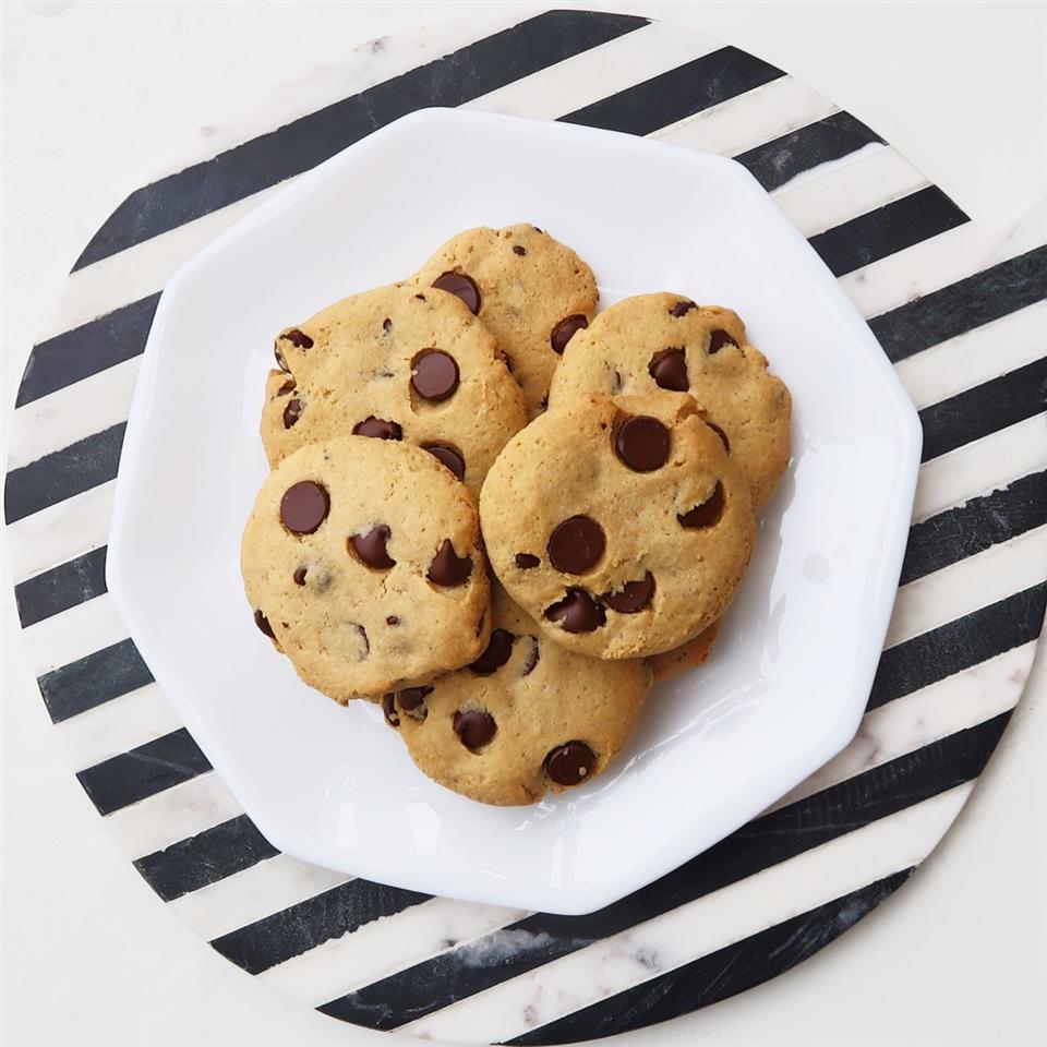 Gluten-Free Almond Flour Chocolate Chip Cookies House of Aqua