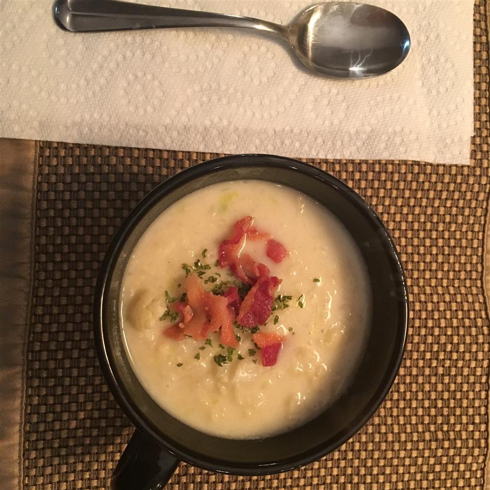 Roasted Cauliflower and Leek Soup