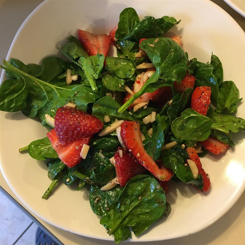 Strawberry Spinach Salad I reela