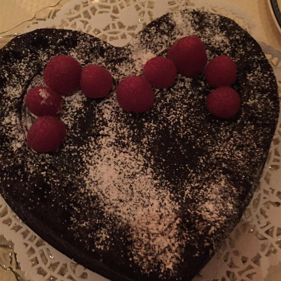 Warm Flourless Chocolate Cake with Caramel Sauce hausfrau