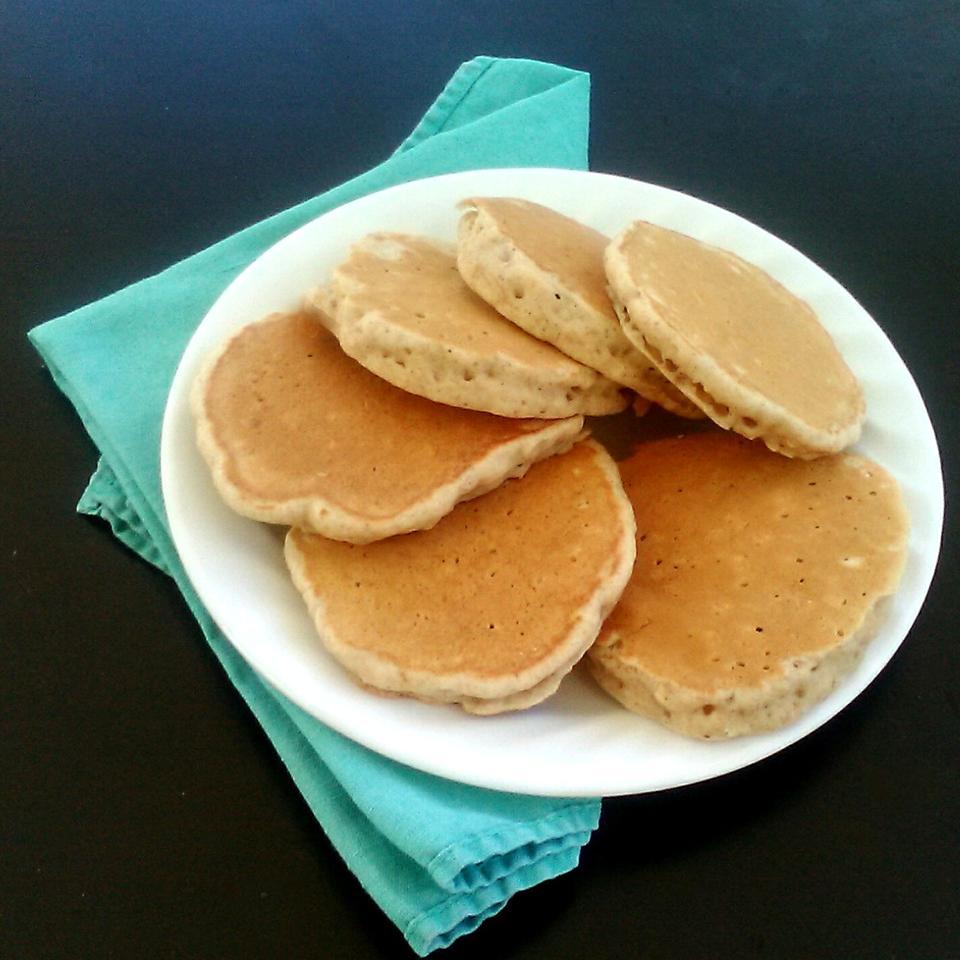 Oatmeal Cinnamon Pancakes