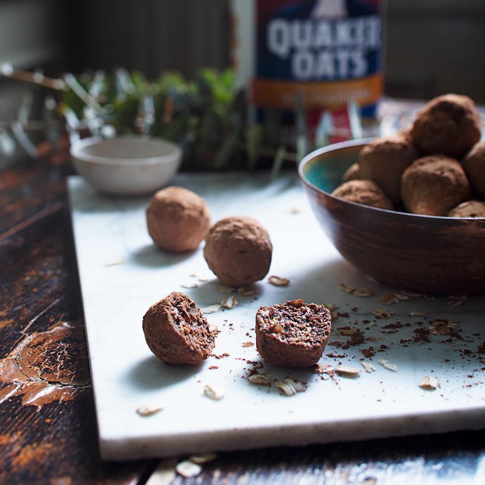 Dark Chocolate Mint Energy Bites