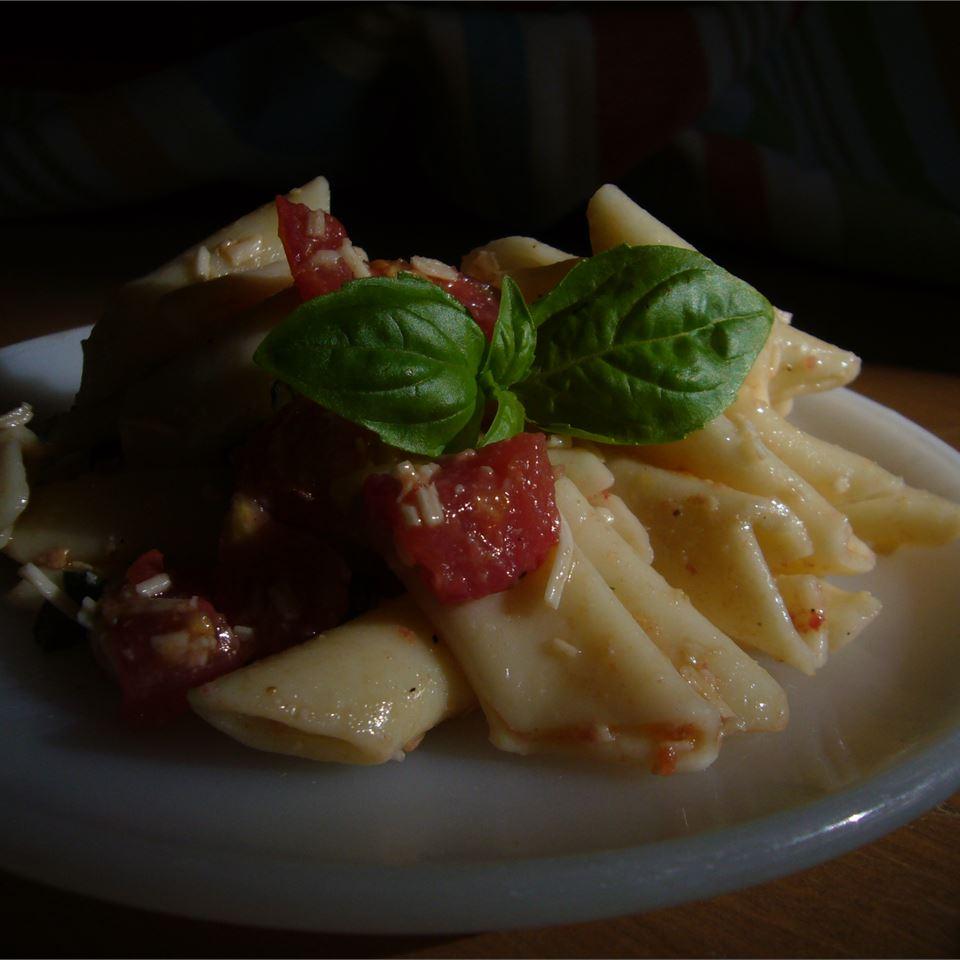 Pasta with Fresh Tomato Sauce Michelle Ramey