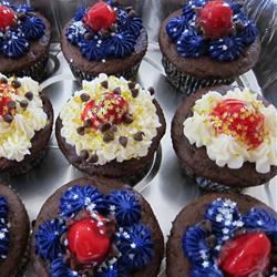 PHILLY Blackforest Stuffed Cupcakes Pam M