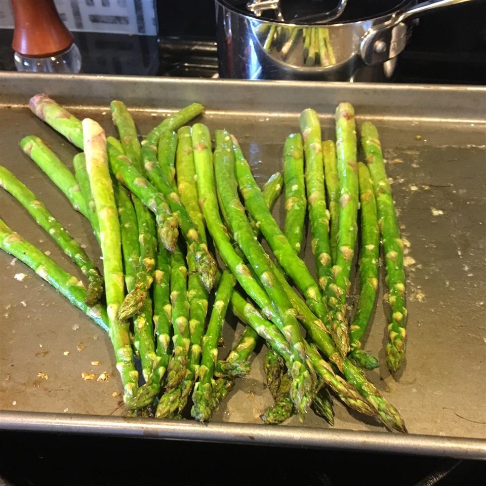 Oven-Roasted Asparagus Alana