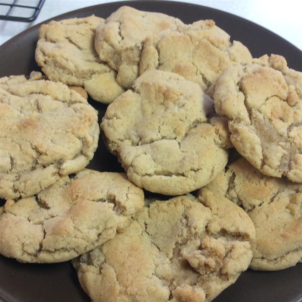 Chewy Ginger Cookies jcwb