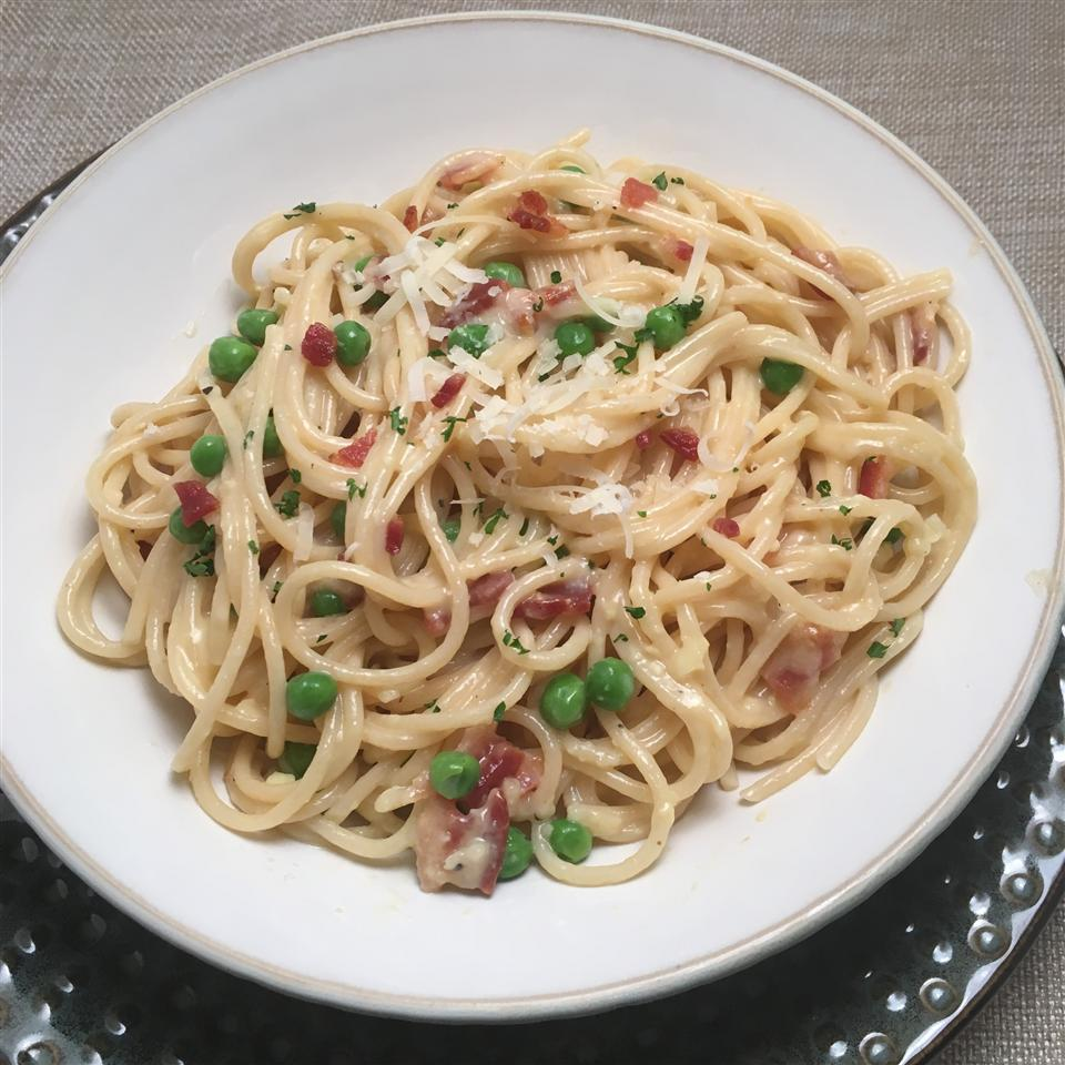 Spaghetti with Parmesan and Bacon Howard