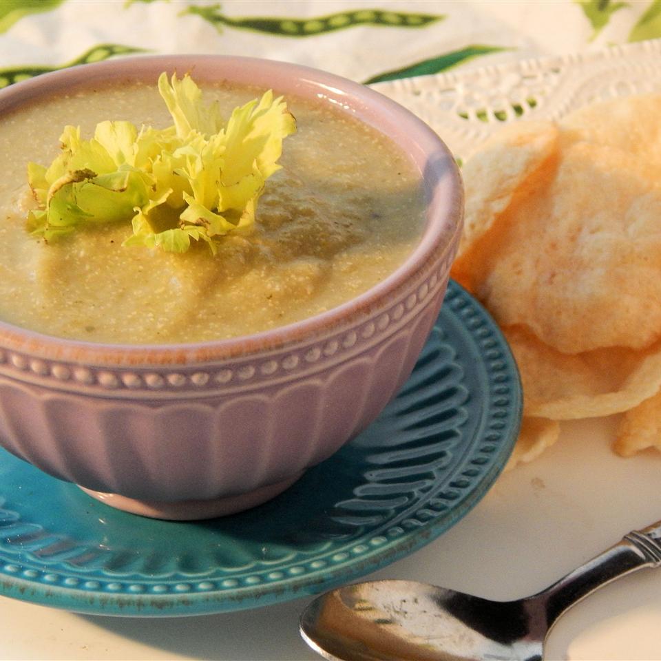 Low-Fat Cream of Celery Soup