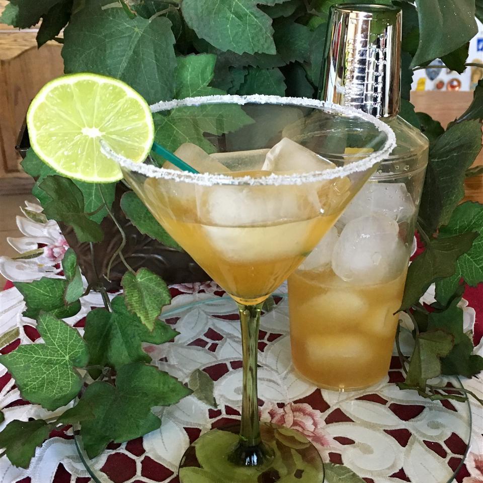 Easy 4-Ingredient Margarita