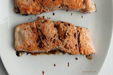 quick balsamic glazed salmon recipe