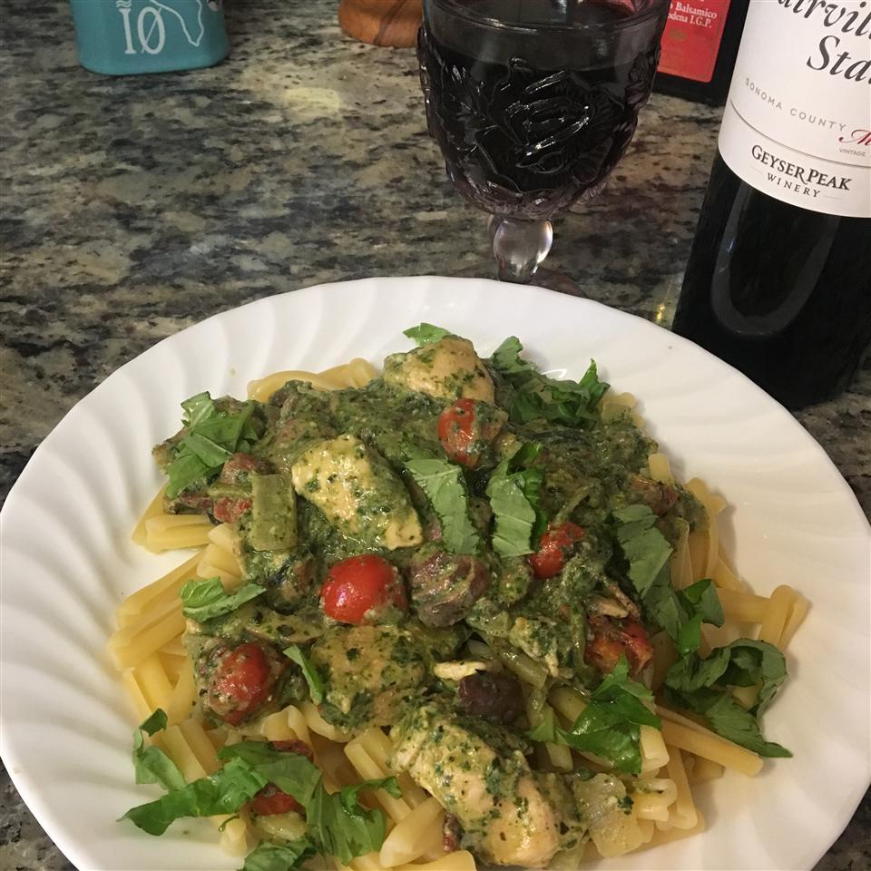 Pasta with Spinach Pesto Sauce julez