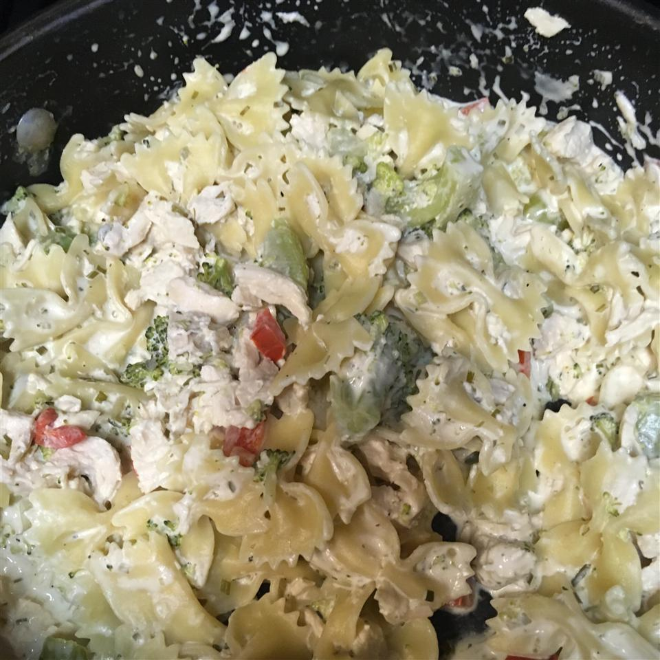 Chicken and Bow Tie Pasta Victoria