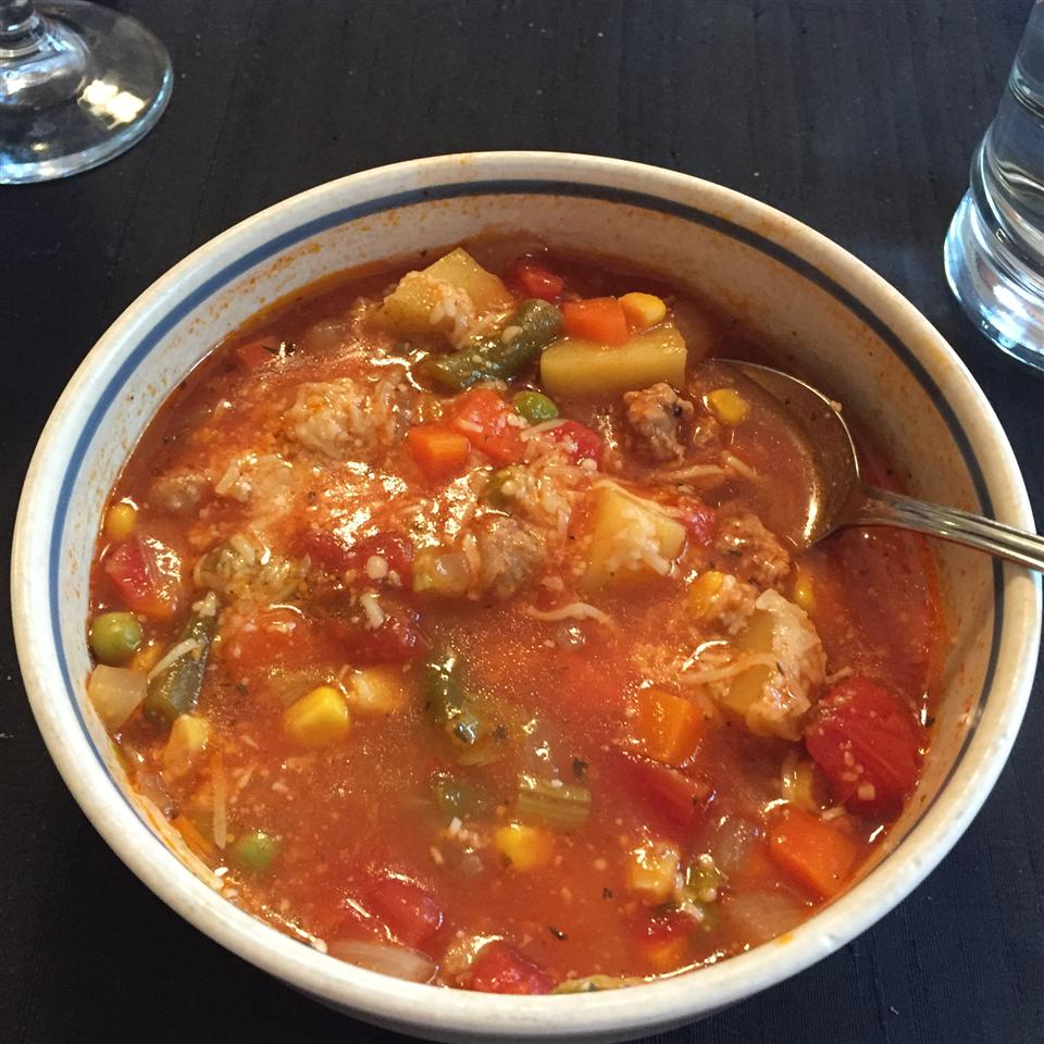 Ground Beef Vegetable Soup jess_bell_
