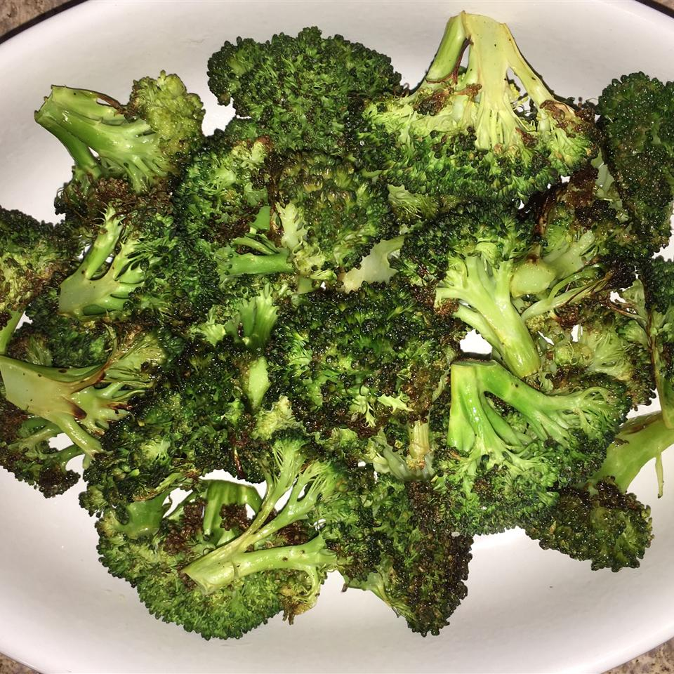 Easy Roasted Broccoli