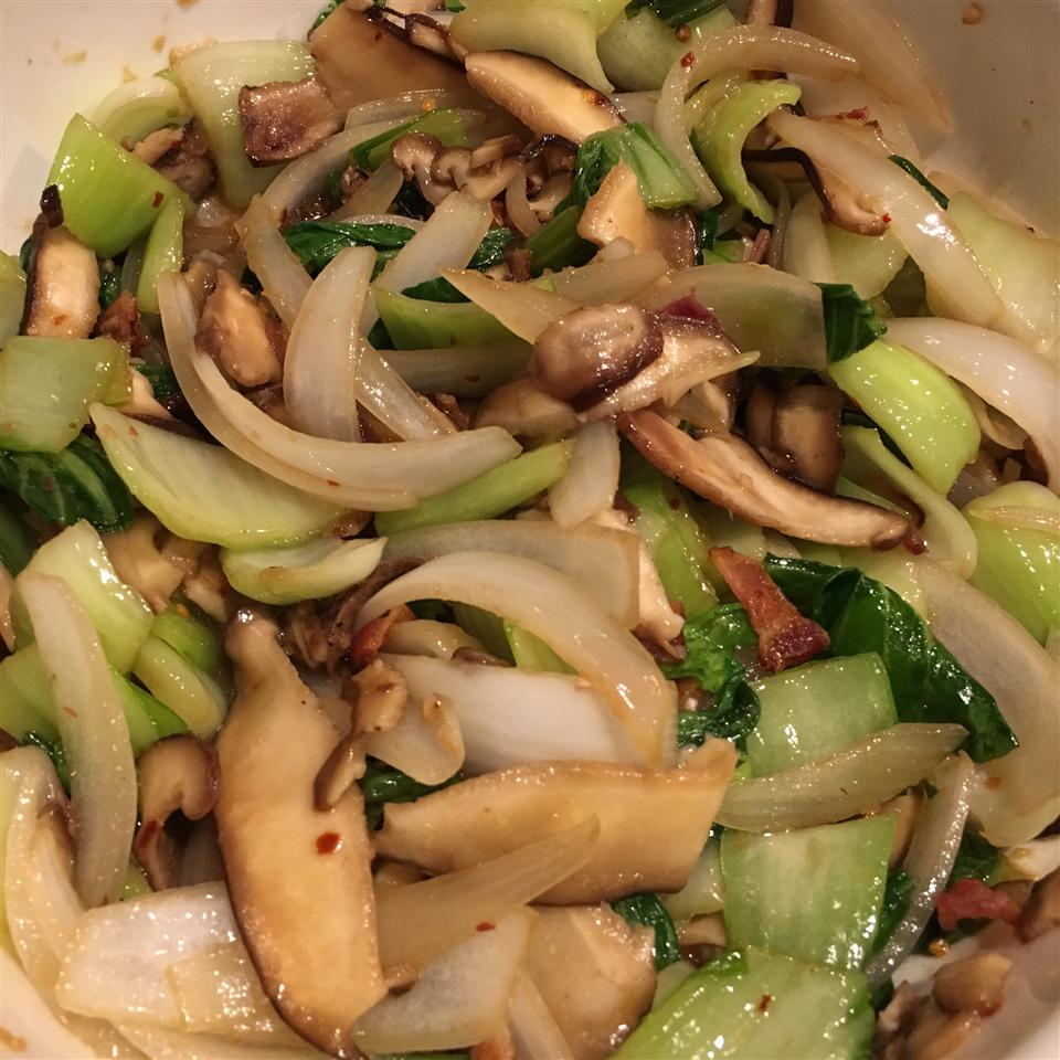 Spicy Bok Choy in Garlic Sauce EmDilly