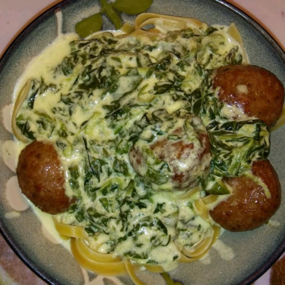 Spinach Alfredo Sauce (Better than Olive Garden®)