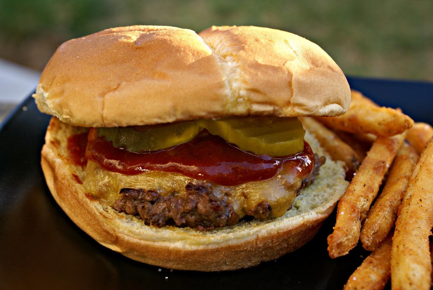 Smoky Bison Burger Elizabeth