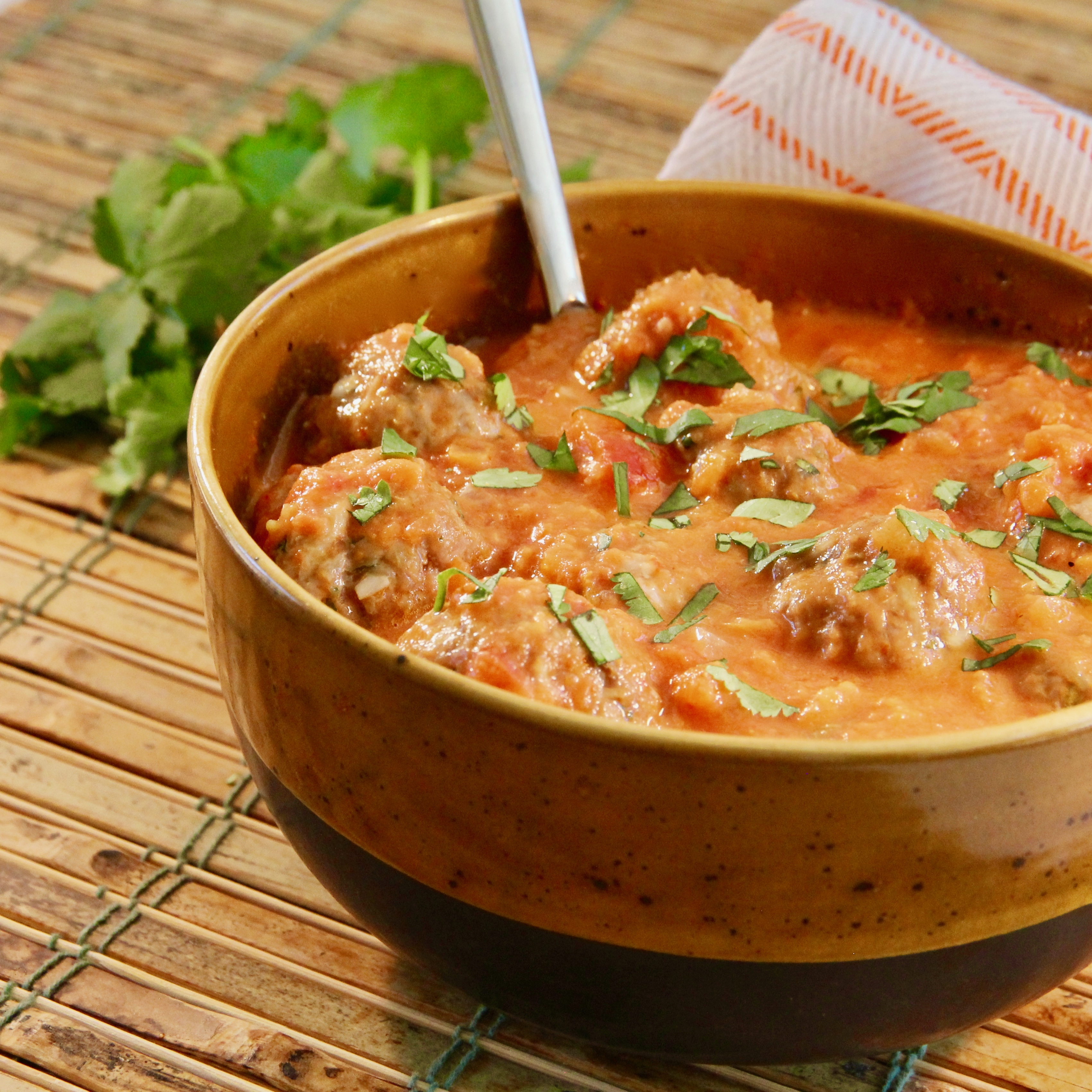 Thai Meatballs in a Tomato Coconut Curry Sauce lutzflcat
