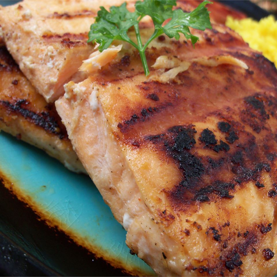 Lime-Marinated Grilled Salmon pomplemousse