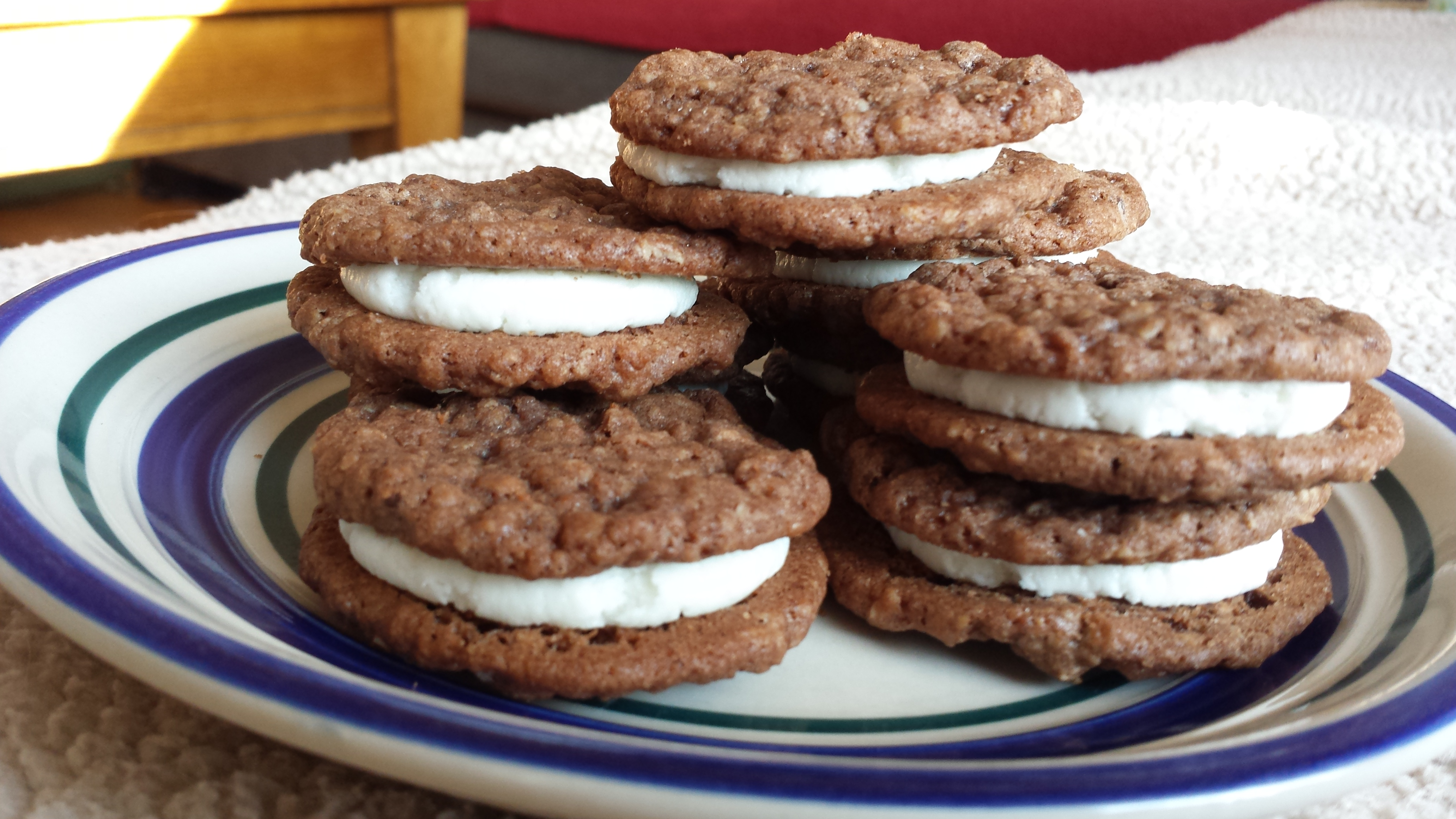 Oatmeal Cream Pies with Chocolate