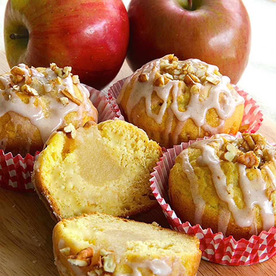 Applesauce-Filled Cupcakes
