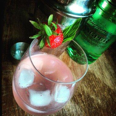 strawberry gin cocktail recipe