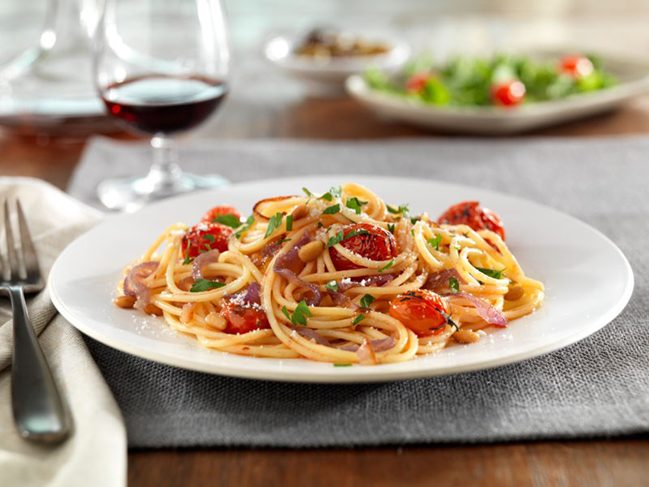 Barilla® Gluten Free Spaghetti with Caramelized Red Onions and Whole Cherry Toma