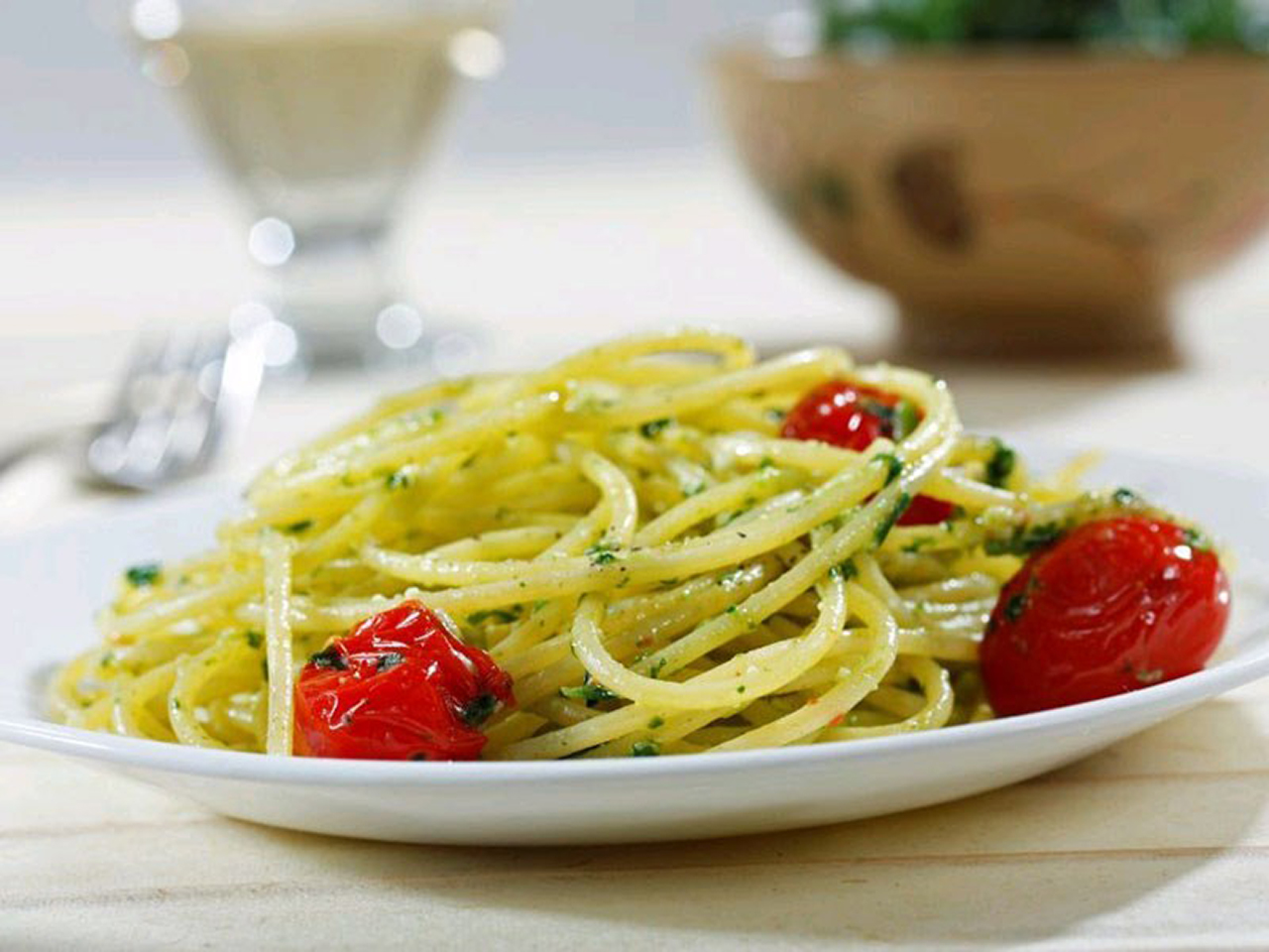 Barilla® Gluten Free Spaghetti with Blistered Grape Tomatoes, Spinach & Parsley
