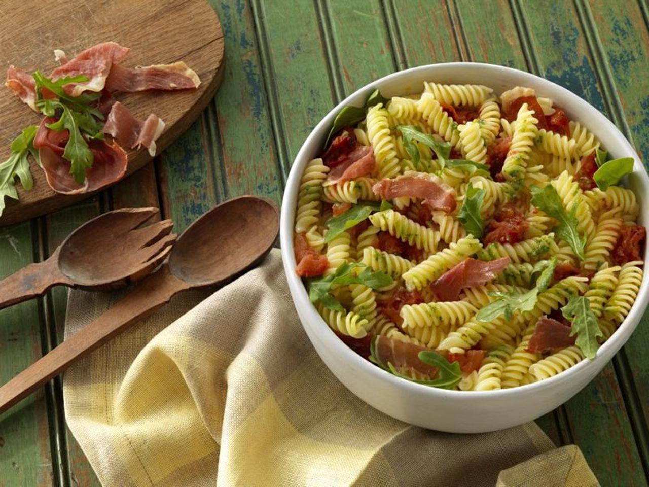 Barilla® Gluten Free Rotini with Basil Pesto, Arugula, Roasted Tomatoes and Crispy Prosciutto