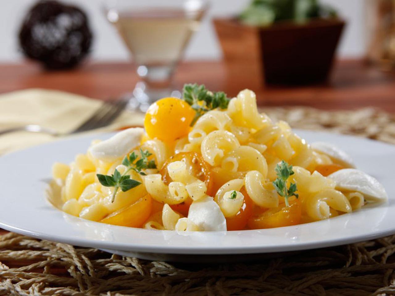 Barilla® Gluten Free Elbows Pasta Salad with Yellow Cherry Tomatoes, Fresh Oregano & Baby Mozzarella
