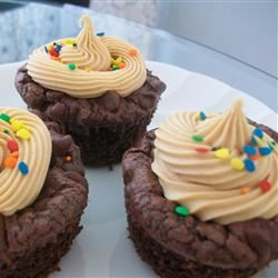 Chocolate Fudge Cupcakes with Peanut Butter Frosting