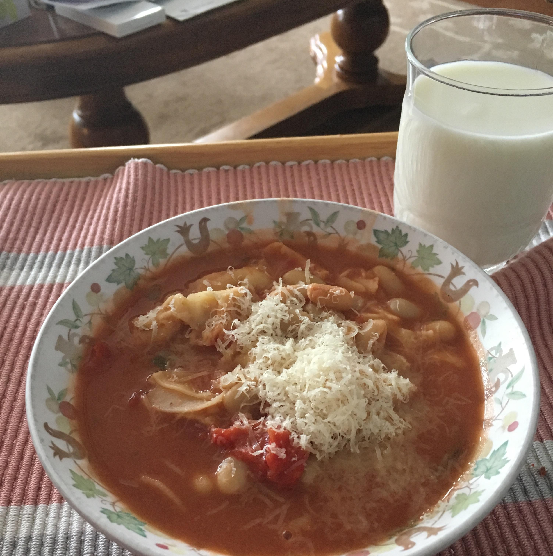 Simple Tortellini Soup