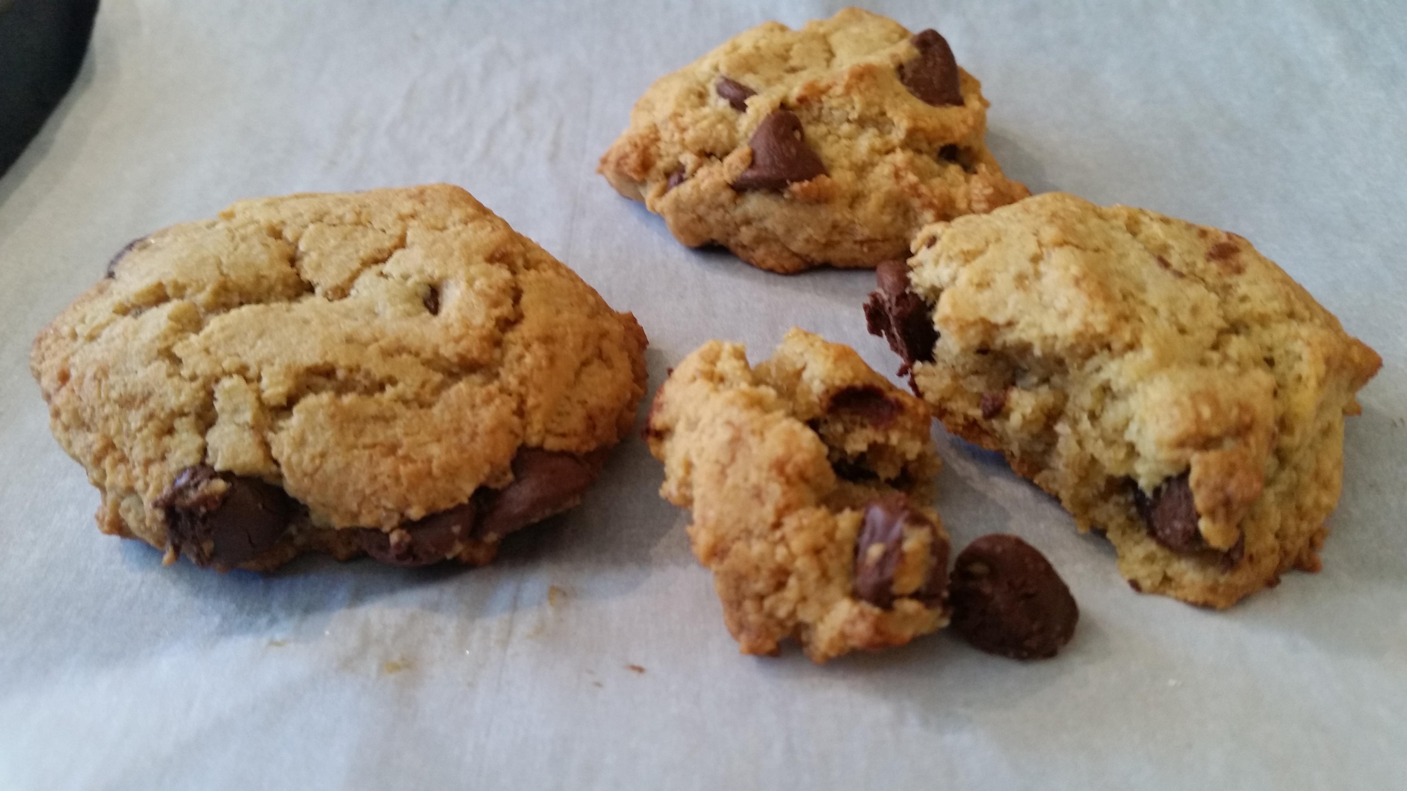 Gluten-Free Almond Flour Chocolate Chip Cookies Susana