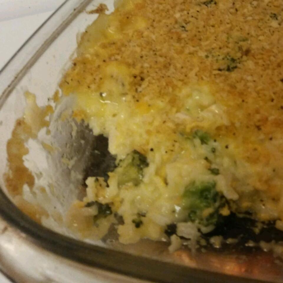 Easy Chicken and Broccoli Casserole Danielle Guggino