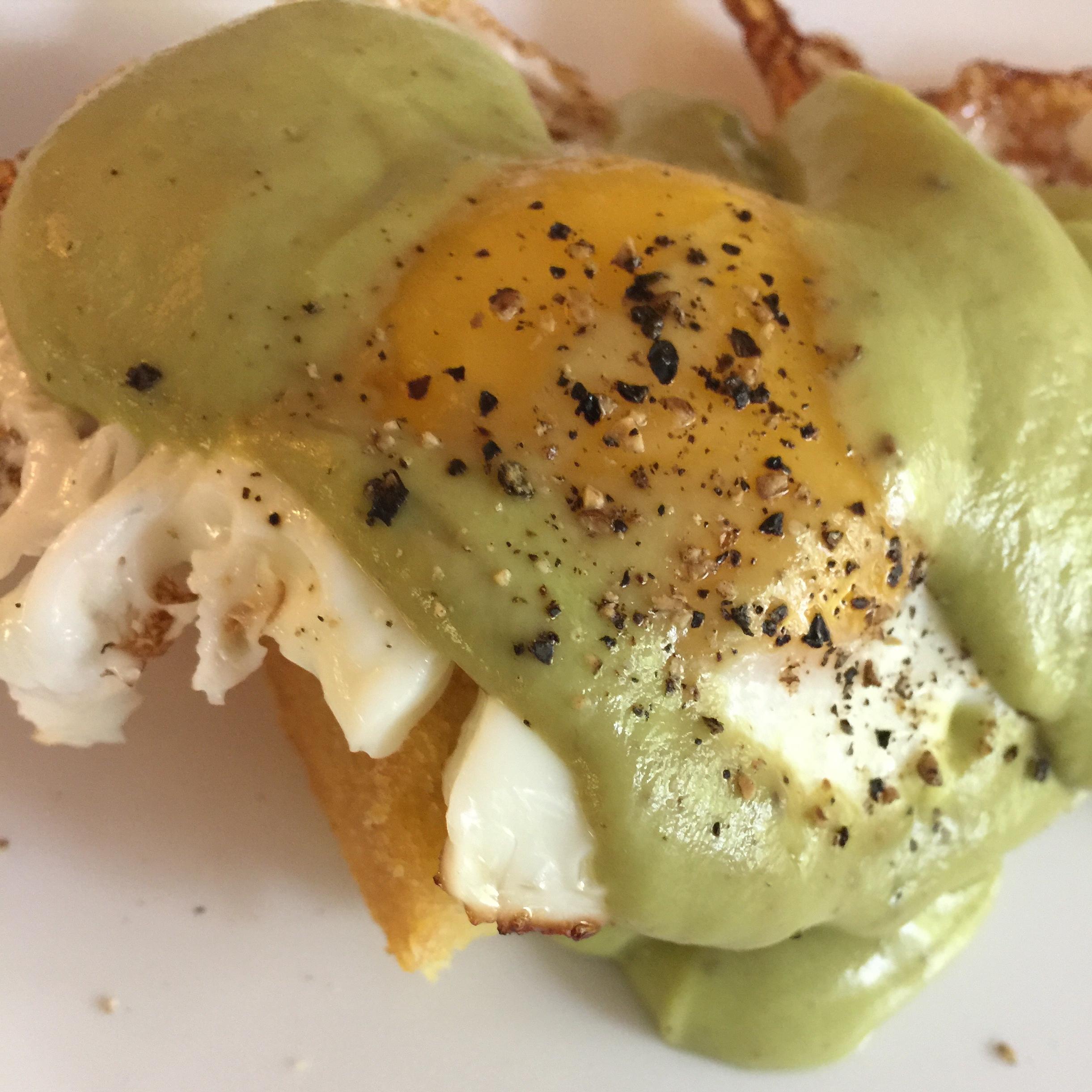 Avocado Sauce Eggs Benedict Ejensen07