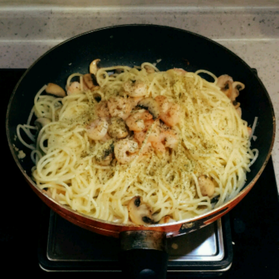 Shrimp Scampi with Pasta Jonathan Low